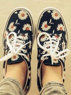 shoes vans floral gänseblümchen daisy daisies flowers cute daisys blue floral romantic hippie indie navy sneakers