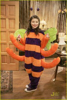 Miranda Cosgrove icarly season 1 photos   Miranda Cosgrove Happy Halloween - Sitcoms Online Photo Galleries