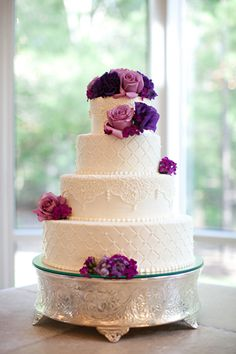 Finally Cooling Down + A Lovely Pink and Purple Ashton Gardens Wedding | Fab You Bliss:: This looks pretty much exactly like my cake:)