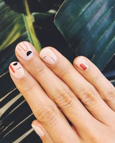 Try some of these designs and give your nails a quick makeover, gallery of unique nail art designs for any season. The best images and creative ideas for your nails. Minimalist Nails, Nail Art Abstrait, Cute Nails, Pretty Nails, Hair And Nails, My Nails, Pink Nails, Nail Design Glitter, Nails Design