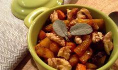Nastala doba podzimní sklizně a naše zahrádka poskytla krásné dýně Hokaido, červenou řepu i ořechy. Co víc si přát? :)...