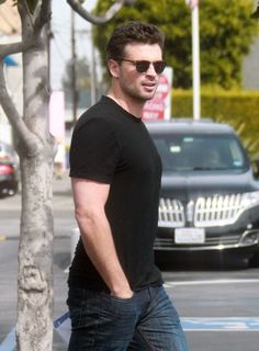 Tom Welling - March 25, 2013