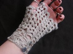 free crochet patterns for fingerless gloves | Crochet Neo Victorian Style Fingerless Lace Gloves - CROCHET