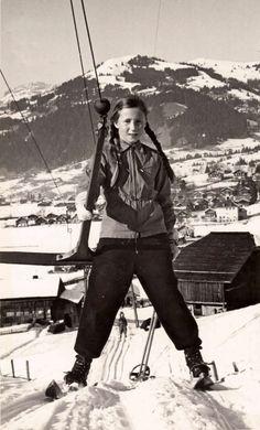 Vintage Ski — Girl on ski lift, Gstaad, Switzerland. Nordic Skiing, Alpine Skiing, Snow Skiing, Ski Ski, Ski Vintage, Vintage Ski Posters, Vintage Sport, Tarzan, Ski Girl