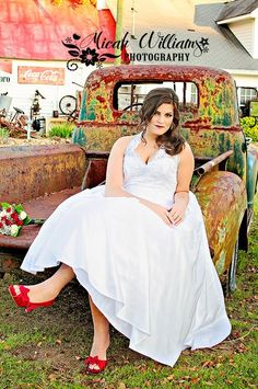 I loved this bride and this amazing truck!