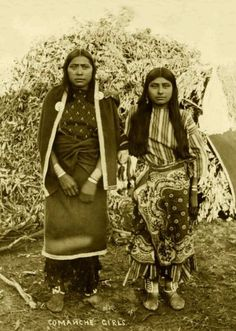 Beautiful Portraits of Native American Teen Girls From Between the 1870s and 1890s