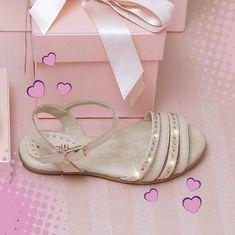 """abf5c4346362b Pampili on Instagram  """"Essa sandalinha Aurora é ideal para as meninas que  gostam de calçados mais clássicos. Ela é toda de couro"""