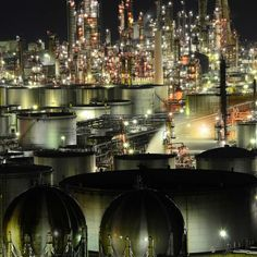 Wakayama, Japan Plant Night, Japan Jp, Piping Design, Industrial Companies, Industrial Park, Oil Refinery, Chemical Industry, Industrial Architecture, Old Factory