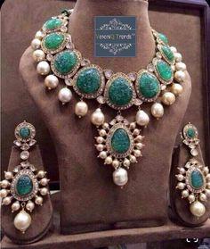 Stylish Jewelry, Fine Jewelry, Fashion Jewelry, Gold Jewelry, Diamond Pendant Necklace, Diamond Necklaces, Diamond Choker, Diamond Jewellery, Gold Necklace