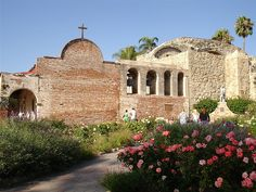 Guests on this tour receive a COMPLIMENTARY guided tour to visit Mission San Juan Capistrano, along with Southern California sights and a Newport Harbor Bay Cruise ($99 value).