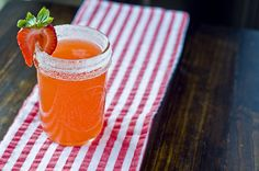 Sparkling Strawberry Lemonade by Cook Like a Champion Sparkling Strawberry Lemonade, Peach Lemonade, Summer Drinks, Fun Drinks, Beverages, Smoothie Drinks, Smoothies, Good Enough To Eat, Non Alcoholic Drinks