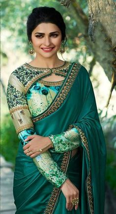 silk saree blouse designs is very simple blouse designs.his blouse designs are very simple to use. mostly lady Silk saree blouse use for India and any other country.seen by silk saree blouse designs catalogue Saree Blouse Neck Designs, Fancy Blouse Designs, Bridal Blouse Designs, Blouse Designs Catalogue, Sari Design, Designer Kurtis, Designer Sarees, Seda Sari, Stylish Blouse Design