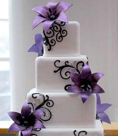 wedding-cakes-with-purple-flowers.jpg (419×484)