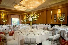 From beautifully manicured grounds, to our lavish interior, Sopwell House Hotel offers a truly luxurious setting for your wedding day.
