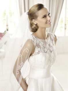 Pronovias Ivory Satin and Lace Dalia Traditional Wedding Dress Size 12 (L) Bodice Wedding Dress, Size 12 Wedding Dress, Wedding Dress 2013, Pronovias Wedding Dress, Wedding Gowns, Wedding Blog, Summer Wedding, Informal Wedding Dresses, Traditional Wedding Dresses