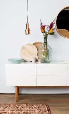 love this credenza and the bottle vase #decor #neutral #buffet #styling