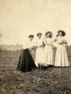 Teachers drinking on Spring Break in 1910.