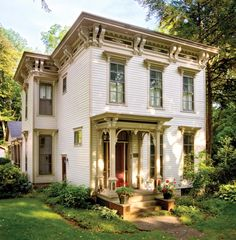 Painted in the warm earth tones typical of the period, this Michigan Italianate is small, but still bursting with ornamentation. (Photo: Joe Hilliard)