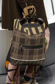 Fendi Fall 2018 Men's Fashion Show Details - The Impression Fashion Bags, Fashion Accessories, Mens Fashion, My Bags, Purses And Bags, Business Chic, Best Bags, High End Fashion, Fashion Show Collection