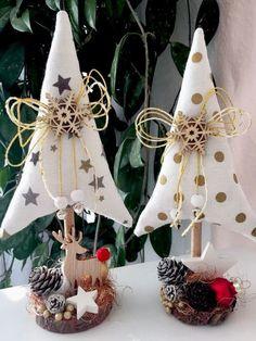 @ alberelli natalizi in Tannenbäume Christmas Tilda Landhaus Deko Fabric Christmas Trees, Felt Christmas Decorations, Christmas Tree Crafts, Christmas Sewing, Christmas Projects, Holiday Crafts, Christmas Wreaths, Christmas Ornaments, Scandinavian Christmas