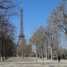 Still loving you♥♡♥♡#paris#eiffeltower#blueskyinparis #parispics #frompariswithlove #bonbaiserdeparis #smileyouareinparis #mycityparisisbest #topparisphoto #parispics #beatifullparis #captitale #toureiffeil #architecture #topparisphoto #monparis #parispromenade #unjouraparis #loveparis #igersparis #igersfrance #fautaimerparis #parisseratoujoursparis #joannaartland #parisjetaime #igersoftheday#nofilter#architectureparis #architect