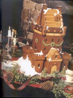 Scottish Gingerbread Castle Tame I challenge you to Buckingham Palace! Gingerbread Castle, Gingerbread Decorations, Christmas Gingerbread House, Christmas Mood, Gingerbread Cookies, Christmas Cookies, Christmas Things, Christmas Baking, Christmas Ideas