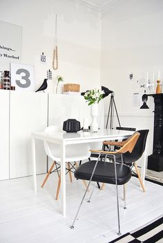 Black and white interior. Home office. Modern Interior, Home Interior Design, Interior Styling, Interior Architecture, Interior Decorating, Decorating Ideas, Black And White Interior, Black White, My Living Room