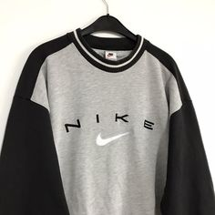 Vintage Nike sweatshirt Size L / GB Great. - Depop - Vintage Nike sweatshirt Size L / GB Great condition – Depop Source by - Cute Lazy Outfits, Cute Outfits For School, Sporty Outfits, Retro Outfits, Nike Outfits, Stylish Outfits, Grunge Outfits, Vintage Nike Sweatshirt, Sweatshirt Outfit