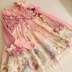 meltywish: My Glass Bottle Of Tears coord♡♡♡ I wish I can do more coords in this kond of style in the future. So beautiful with a vintage & princessy touch꒰๑˃͈꒵˂͈๑꒱୭̥*゙̥♡⃛