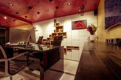 Showroom, Bar, Table, Furniture, Home Decor, Decoration Home, Room Decor, Tables, Home Furnishings