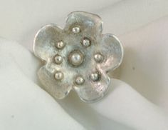 flowerpower ring by SoulGemsNL on Etsy