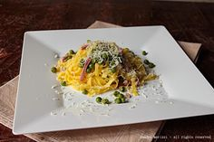 Tagliatelle al bacon e piselli. #ricetta di @sandramerizzi Spaghetti, Pasta, Ethnic Recipes, Fan, Cooking, Kitchen, Hand Fan, Noodle, Fans