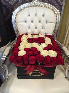 Litera R din trandafiri