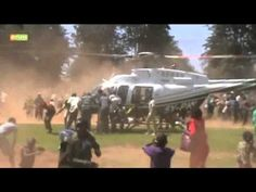 People hanging on Kenyan helicopter – The Video Streams