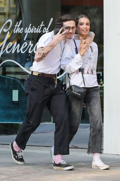 See Brooklyn Beckham and Hana Cross's Coordinated Couples Style - Brooklyn Beckham, Hana Cross - Couple Outfits, Casual Outfits, Fashion Outfits, Unisex Outfits, Mode Streetwear, Streetwear Fashion, Style Casual, Men Casual, Dickies Pants