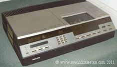 Museum of old video recorders. Old Video, Philips, General Electric, Childhood Memories, Audio, Retro, Vintage, Vintage Comics, Retro Illustration