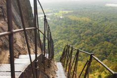 Sri Lanka ist nach wie vor ein exotisches Reiseziel und bietet seinen Besuchern traumhafte Strände, historische Relikte und unverwechselbare Landschaften.
