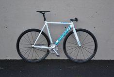 http://www.pedalroom.com/bike/low-pursuit--22265