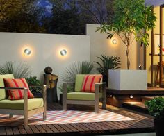Landscape lighting is a fantastic way to add curb appeal and safety to your home. Watch the video and to discover our five favorite landscape lighting tips. Outdoor Flooring, Outdoor Rugs, Indoor Outdoor, Outdoor Decor, Outdoor Spaces, Outdoor Planters, Backyard Lighting, Outdoor Lighting, Lighting Ideas