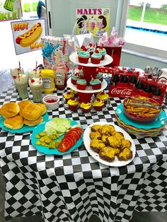 Riverdale Pop's Soda Shoppe birthday party. Rather than doing it for them. Riverdale Pop's So Birthday Party Ideas For Teens 13th, 13th Birthday Parties, Retro Birthday, Teen Birthday, 12th Birthday, Birthday Party Decorations, Cake Birthday, Surprise Birthday, Diner Party