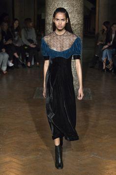 Emilia Wickstead Fall 2017 Ready-to-Wear Fashion Show