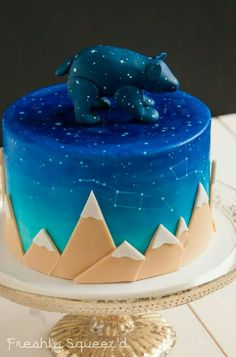 Constellation cake                                                       … http://amzn.to/2keVOw4