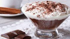 Mousse de chocolate con nata y cacao