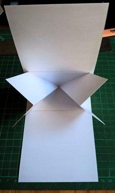 Twist pop-up card instructions Card Making Templates, Card Making Tips, Card Making Tutorials, Card Making Techniques, Step Cards, Fancy Fold Cards, Folded Cards, Mini Album Scrapbook, Tarjetas Pop Up