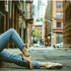 Street Ballet, Ballet Dancers, Instagram Posts, Board, Fashion, Moda, Fashion Styles, Fashion Illustrations, Planks