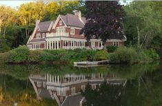 house in the Big Wedding Movie: Get a Sneak Peek of the Lake House