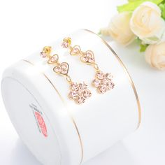 Those who are not acquainted with the word would eagerly assume that the #Fashion_Jewelry is a piece of fashionable jewelry. Yes, it is true. It entails fashion and beauty. But more than that, the #fashion #jewelry is just a piece of accessory that has aless actual assessment that it really looks like...