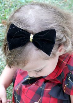Beautiful Baby Girl Bow headband/Black by MargotBijouBoutique