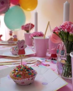 Teatime with Peppa – 3. Geburtstag in schweinchen-rosa Party Box, Pig Party, 2nd Birthday Party Themes, Peppa Pig, Cake Pops, Tea Time, Kids, Mini Me, Claire