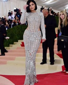 Balmain for Kylie Jenner, Met Gala 2016 Kylie Jenner Vestidos, Kylie Jenner Met Gala, Moda Kylie Jenner, Kylie Jenner Style, Kyle Jenner, Gala Dresses, Dress Outfits, Nice Dresses, Evening Dresses